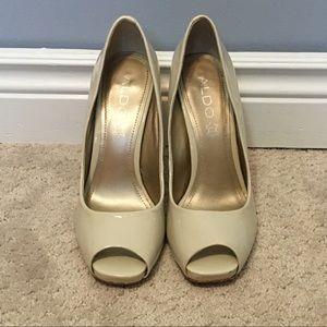 ALDO ivory coloured peep toe heels, size 7